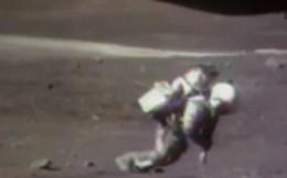 Video: Những cú ngã 'sấp mặt' trên Mặt Trăng của các nhà du hành