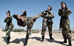 """Đội quân nữ đặc nhiệm của Iran luyện tập như """"Ngọa hổ tàng long"""""""