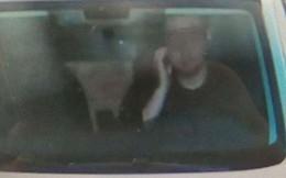 Bị phạt vì đưa tay gãi mặt khi lái xe