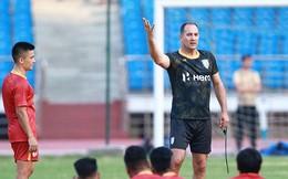HLV Ấn Độ không tin tuyển Việt Nam vào chung kết King's Cup 2019