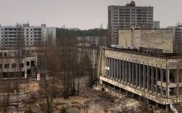"""Nhờ series cực ăn khách của HBO, khách du lịch xếp hàng nườm nượp đến thăm """"thành phố ma"""" Chernobyl"""