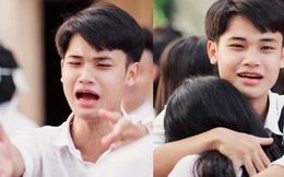 Vừa khóc lóc đòi ôm crush ngày cuối cùng của đời học sinh, cậu bạn liền quay ngoắt biểu cảm sung sướng thoả mãn cực hài