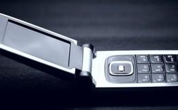 """Nhận 23 triệu """"free"""" nếu bỏ smartphone 1 tuần và dùng điện thoại nắp gập, bạn có dám không?"""