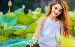 Không cần khỏa thân uốn éo, cô gái Tây chụp ảnh bên hoa sen vẫn gây bão mạng xã hội vì lý do đặc biệt