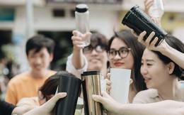 """Cuộc chiến trộm nhựa không còn là chuyện của riêng ai: Dân văn phòng đang dẫn đầu trong thử thách """"đừng dùng cốc nhựa"""""""