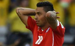 Đội tuyển Chile nguy cơ mất trụ cột vì đá ngã cổ động viên