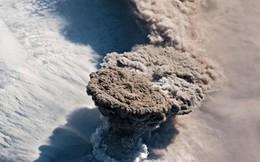 Một vụ phun trào núi lửa lớn đến nỗi nó có thể nhìn thấy từ vũ trụ
