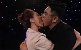Màn hôn 'sâu' trên truyền hình khiến khán giả rùng mình, đạo diễn nói gì?