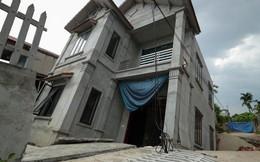 """Cận cảnh ngôi nhà 2 tầng khang trang bất ngờ bị """"hố tử thần"""" nuốt"""