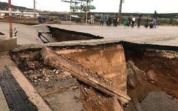 Cận cảnh vụ mố cầu ở Thanh Hóa sập khiến 5 người thương vong