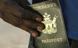 Đất nước nơi người dân không thể xuất ngoại vì không có tiền mua mực, giấy in hộ chiếu