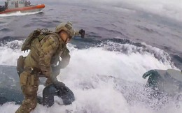 """Cảnh sát Mỹ rượt đuổi """"như phim hành động"""", bắt hơn 7 tấn ma túy trong tàu ngầm"""