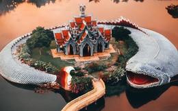 """Không tin vào mắt mình ngôi đền được canh giữ bởi """"cá khổng lồ"""" đẹp hệt cổ tích đang """"gây bão"""" Thái Lan"""