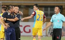 HLV Hà Nội FC xin lỗi trọng tài vì hành xử xấu xí, bị gọi là 'người đáng ghét nhất đội bóng thủ đô'