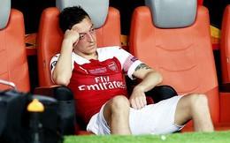 """HLV Unai Emery bất ngờ tuyên bố: """"Mesut Ozil không phải để bán"""""""