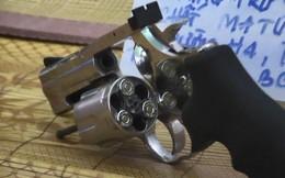 Súng, đạn và ma túy trong căn nhà không số ở Bình Dương