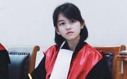 22 tuổi đã ngồi vào ghế thẩm phán lại xinh đẹp vô cùng, nữ sinh được dân mạng hỏi xin info không ngớt