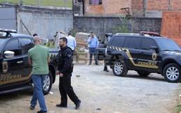 Táo tợn đóng giả cảnh sát cướp 750 kg vàng tại sân bay bang Sao Paulo