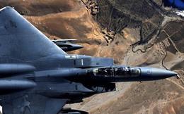 """Video: Mãn nhãn """"đại bàng tấn công"""" F-15E """"sải cánh"""" trên bầu trời"""