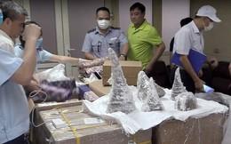 Cận cảnh Hải quan Hà Nội phá khối thạch cao, phát hiện 55 chiếc sừng tê giác nặng cả tạ