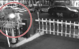 Người đàn ông đánh vợ giữa đường bị giam 10 ngày tù, nhưng sau khi biết sự thật ai cũng công nhận phần lỗi của vợ