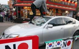 Hàn Quốc: Dùng kim chi khủng bố xe hơi Nhật Bản, còn gì nữa?