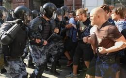 Biểu tình lớn tại Nga, hơn 1.000 người bị bắt giữ