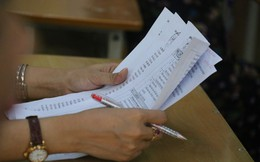 """Bộ Giáo dục sẽ kiểm tra """"lưu vết"""" chấm để tìm nguyên nhân bài thi gần 9 thành 0"""