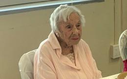 Bí quyết trường thọ của cụ bà 107 tuổi: Hãy sống như tôi, không ăn vặt và quan trọng nhất là... đừng lấy chồng!