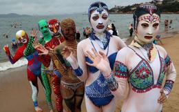 Đỉnh cao thời trang tắm biển là đây: Trung Quốc ra mắt bộ sưu tập mới với 6 mẫu hoành tráng, thử thách sự dũng cảm của người mặc