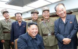 Ông Kim Jong Un giám sát phóng thử vũ khí mới