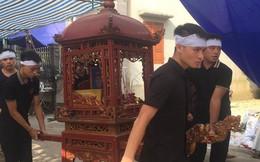 Quang Hải về chịu tang ông nội ngay sau khi lập hat-trick kiến tạo thắng Thanh Hóa