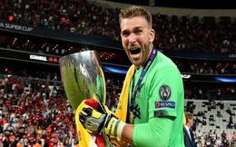 Người hùng của Liverpool ở Siêu cúp châu Âu dính chấn thương vì lý do vô cùng hy hữu, đẩy đội bóng vào cơn khủng hoảng thiếu thủ môn trầm trọng
