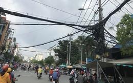 Dây điện như mạng nhện 'tử thần' treo trên đầu người dân Sài Gòn