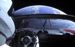 Chiếc Tesla Roadster mà SpaceX phóng lên vũ trụ năm ngoái vừa hoàn thành một vòng quanh... Mặt Trời