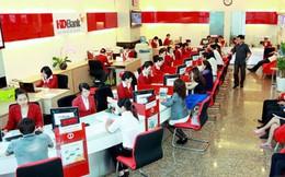 Đón mùa kinh doanh cuối năm, ngân hàng ồ ạt tuyển dụng tới cả nghìn nhân sự