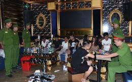 """20 thanh niên Nghệ An """"chơi"""" ma túy tập thể trong quán karaoke ở Hà Tĩnh"""