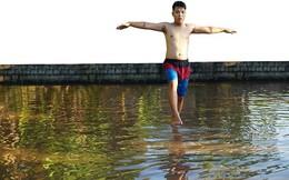 Kĩ nghệ đi trên mặt nước chỉ với 2 cây tre thuộc... môn phái nào?