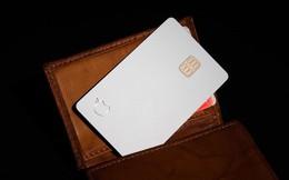 Hóa ra Apple Card không bền như quảng cáo, nhanh hỏng nếu tiếp xúc với da hoặc vải denim