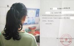 Trường học gây tranh cãi khi bắt học sinh chứng minh tóc xoăn tự nhiên mới được tới lớp, đến bác sĩ cũng bó tay