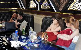 """Nhiều """"nam thanh nữ tú"""" bay lắc cùng ma túy trong phòng VIP karaoke"""