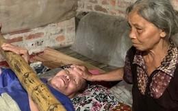 Ứa nước mắt cảnh người phụ nữ oằn mình nuôi chồng và 2 con trai tật nguyền