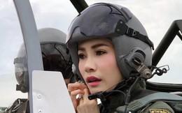 """Hoàng hậu Thái Lan """"cực chất"""" trong loạt khoảnh khắc đời thường, tình cảm mặn nồng với chồng không hề kém cạnh Hoàng quý phi"""