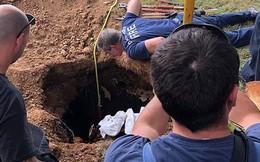 Người phụ nữ bị ngã xuống bể phốt sâu 5m và nằm chờ chết suốt 3 ngày liền, hy hữu nhất vẫn là chuyện bà được cứu sống bình an