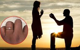 Được bạn trai 8 năm cầu hôn bằng nhẫn kim cương, cô gái đăng ảnh lên MXH lại khiến dân tình được phen tranh cãi