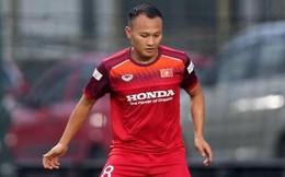 Hậu vệ tuyển Việt Nam hồi phục chấn thương thần tốc, Quế Ngọc Hải ngạc nhiên: Không hiểu cơ địa kiểu gì