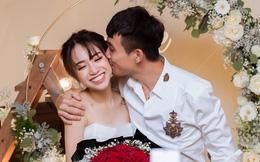 Minh Nhựa khoe ảnh hôn má con gái 20 tuổi, vợ hai xinh đẹp vào bình luận một câu khiến nhiều người khó hiểu