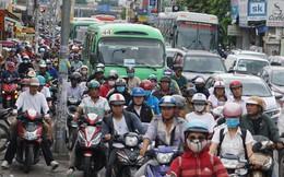 Hàng chục nghìn người về quê, bến xe Miền Đông ùn nhưng không kẹt