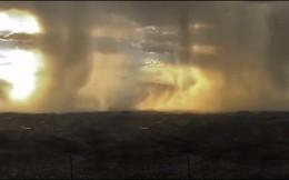 Rùng mình cảnh 'bom mưa' khổng lồ trút nước xuống thành phố của Mỹ