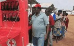 Khi điện vừa hiếm vừa đắt thì đây là 3 cách sạc điện thoại của người dân châu Phi